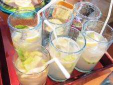 http://www.shutterbean.com/grapefruit-cucumber-gin-spritzers/