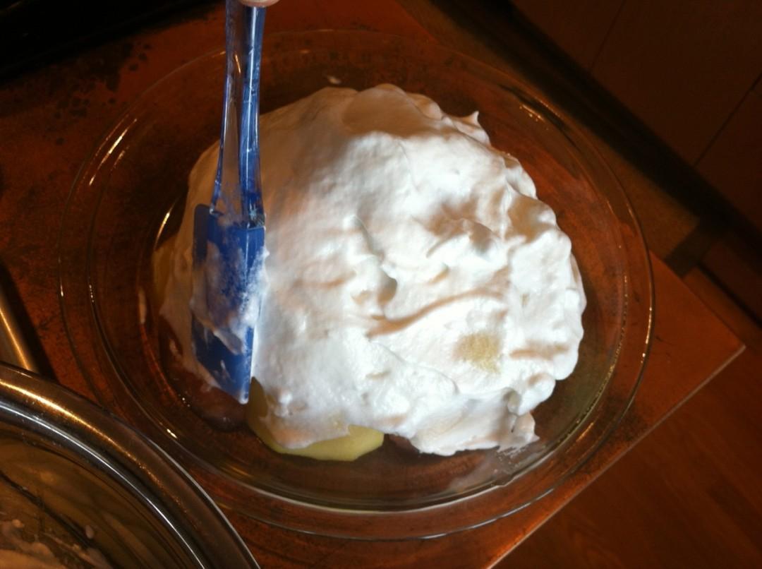Layering the meringue